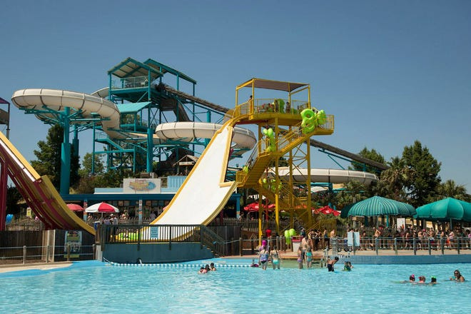 Attraction Slideshow Water Parks In Dallas