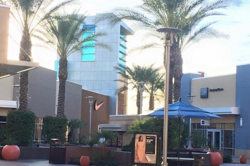 c335fc5a140 10 Best Outlet Mall Shopping Destinations in Metro Phoenix