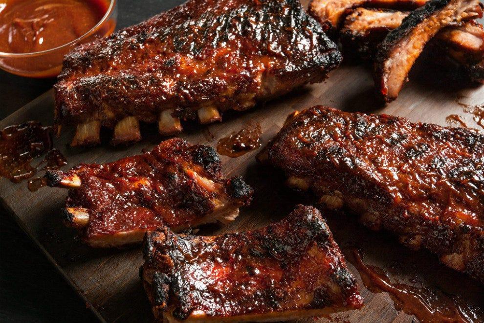 Smokey John's Bar-B-Que and Home Cooking