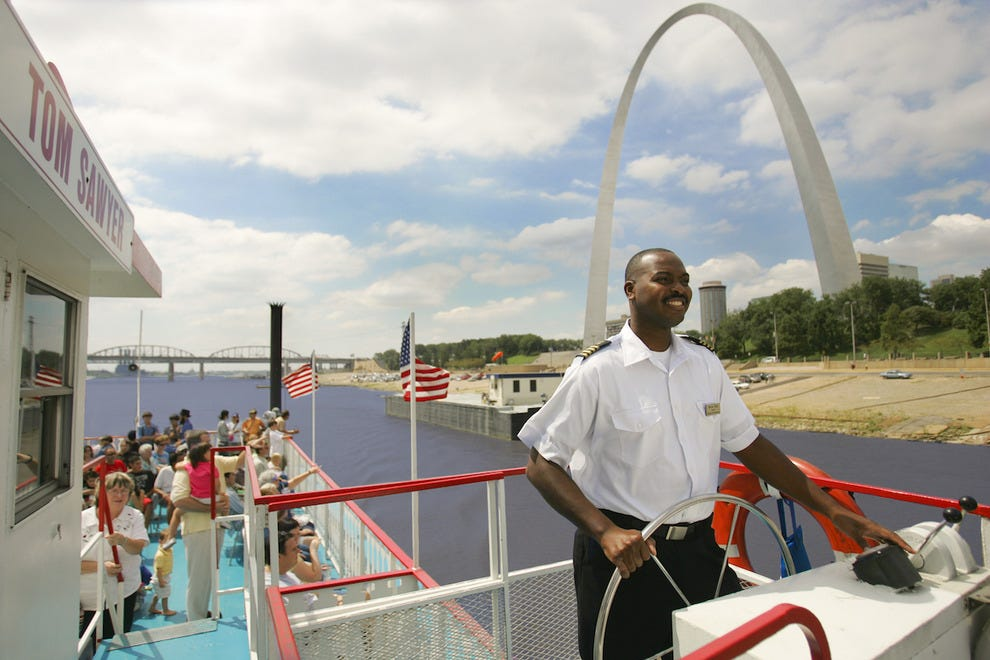 Gateway Arch Riverboat Cruise