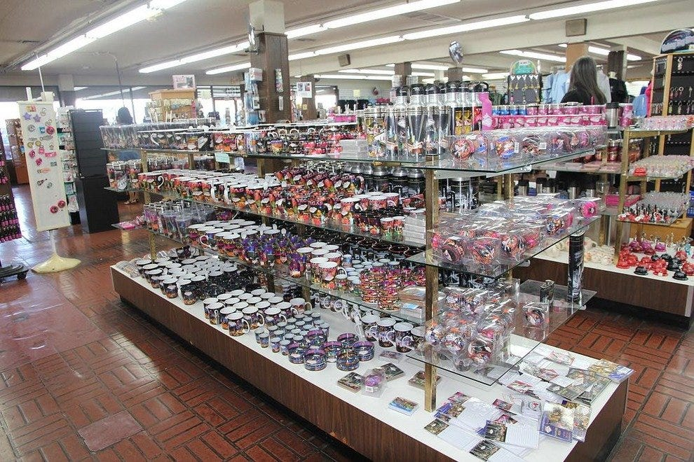 Las Vegas Souvenir Shops 10best Shopping Reviews
