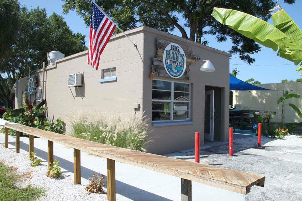 big ray 39 s fish camp tampa restaurants review 10best