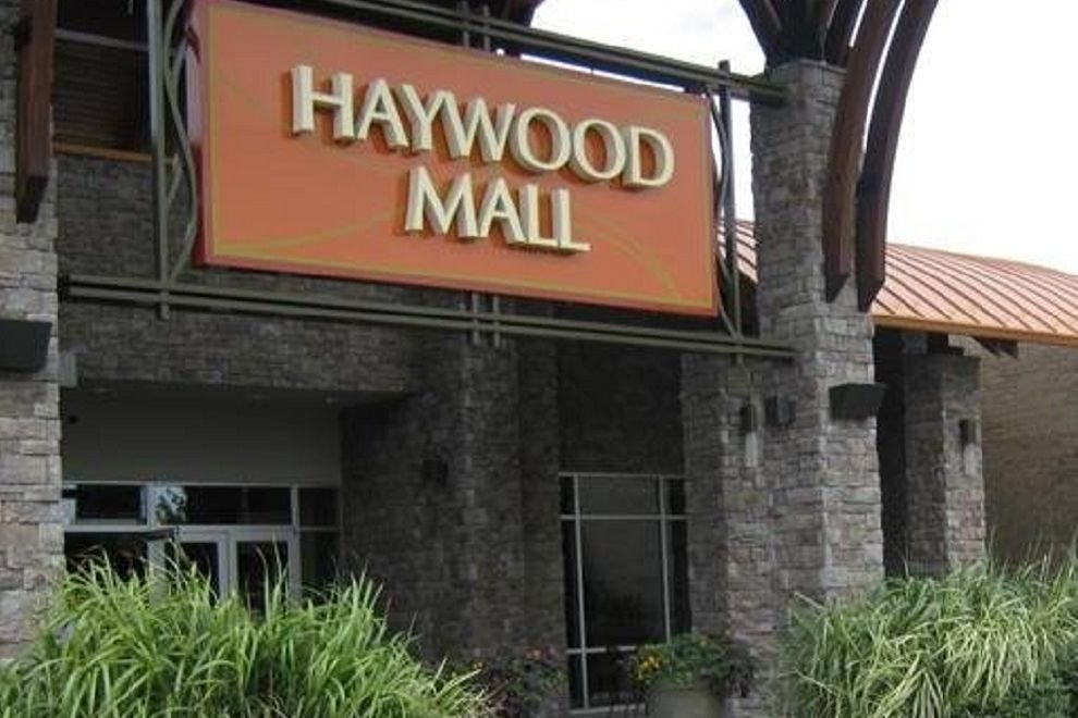Greenville malls and shopping centers 10best mall reviews - Garden state plaza mall restaurants ...