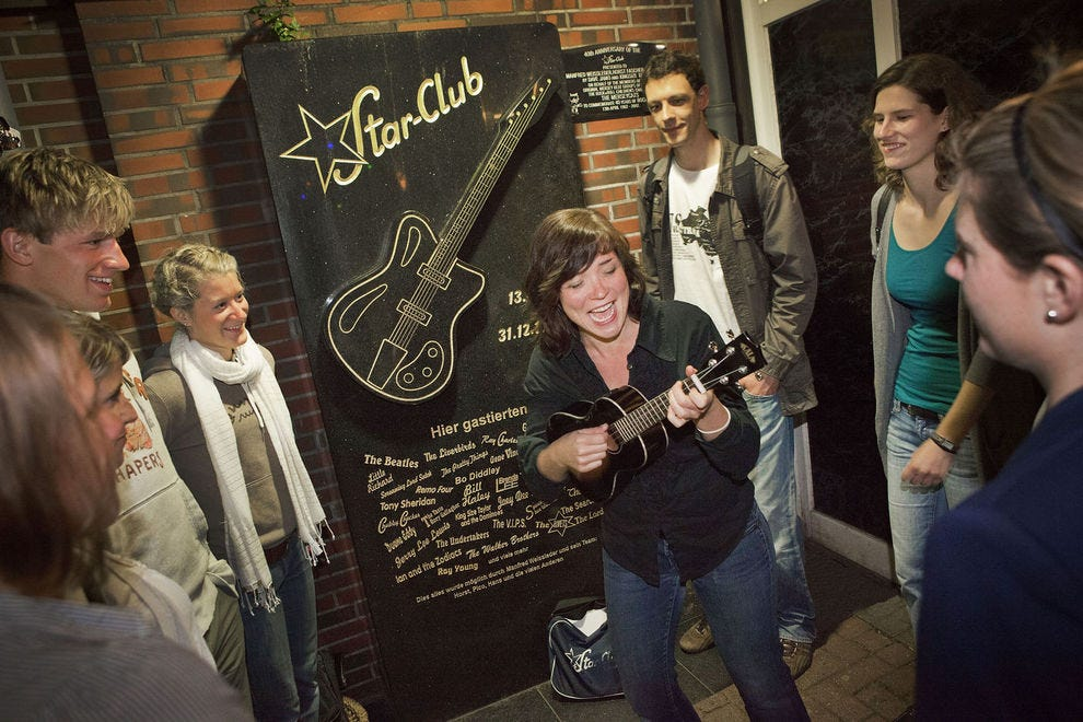 Stefanie Hempel plays the ukulele at the location of the old Star-Club in St. Pauli