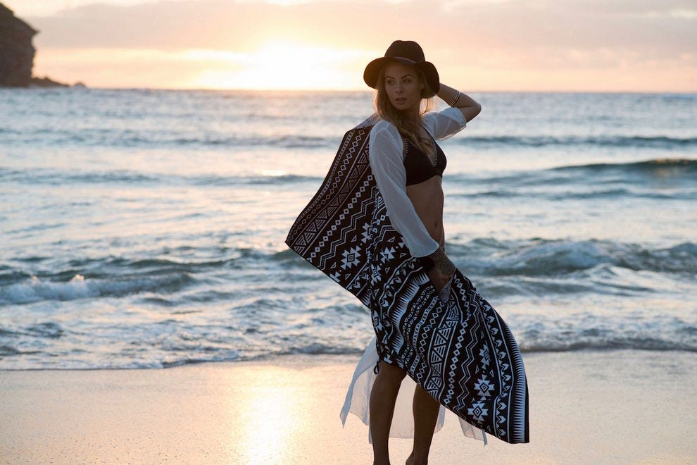 Sand-free beach towel from Tesalate