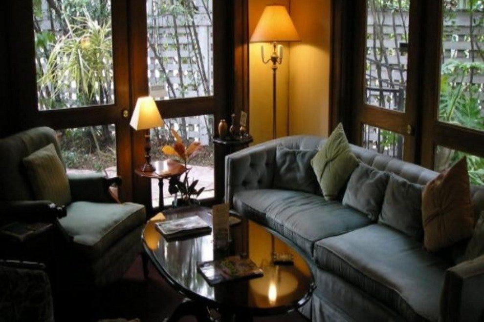 Candlelight Coffee House And Wine Bar