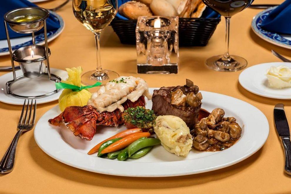 Las vegas fine dining restaurants 10best restaurant reviews for Fine dining food