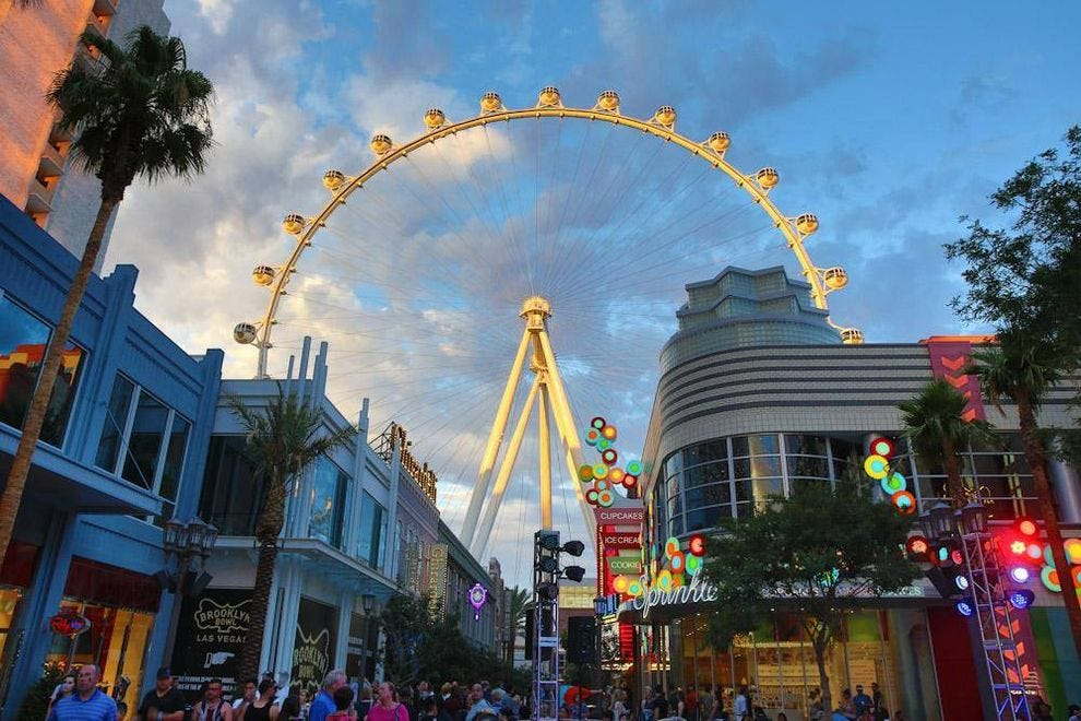 Las Vegas Christmas Weather.Things To Do In December Attractions In Las Vegas