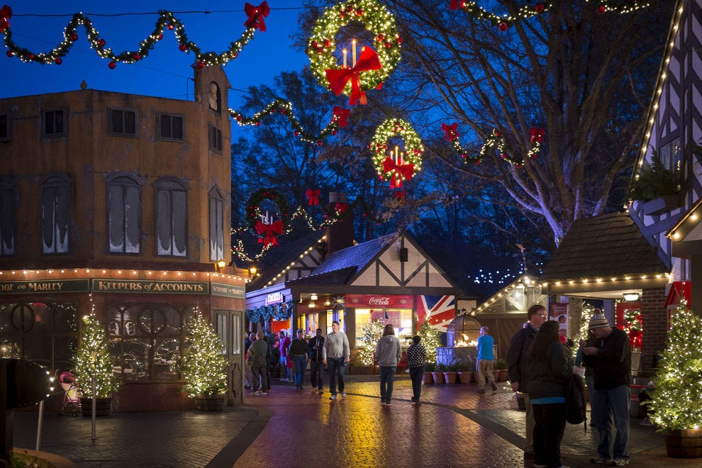 Vote christmas town williamsburg best theme park holiday event nominee 2017 10best readers for Christmas town busch gardens williamsburg 2017