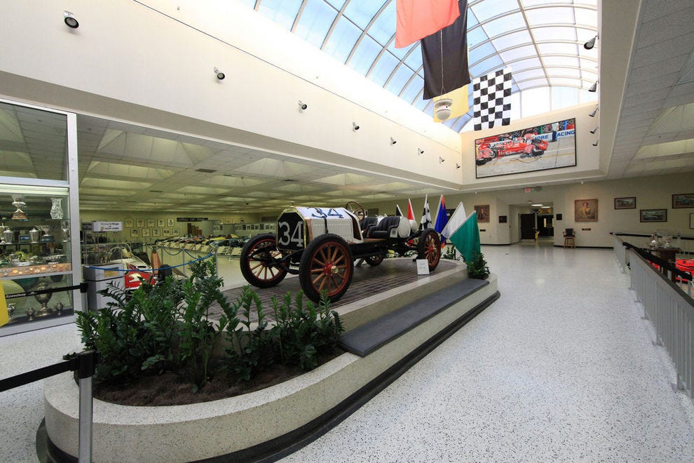 Best attraction for sports fans winners 2018 10best for Indianapolis motor speedway museum