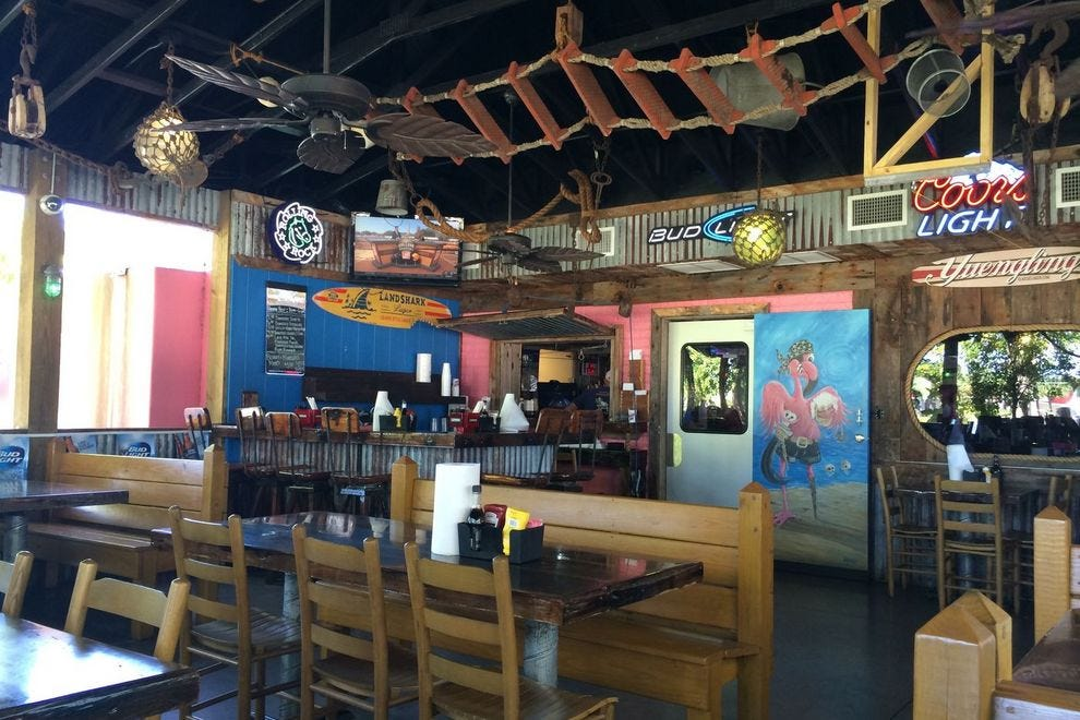 Seafood restaurants on sanibel restaurants in fort myers for Fish house fort myers beach
