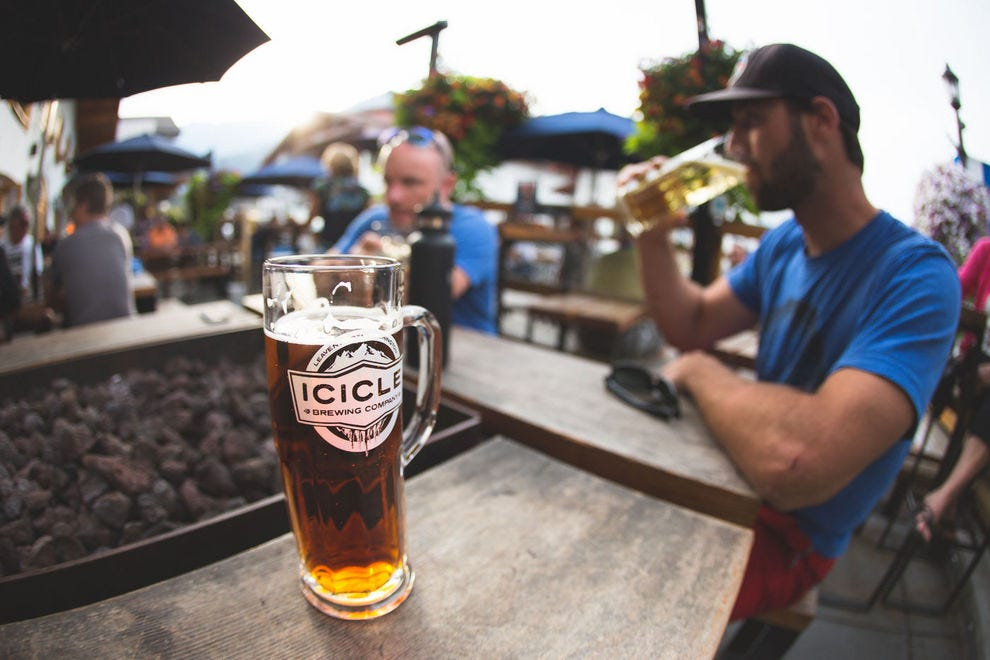 Check out the Icicle Brewing website to learn the venue's live music schedule