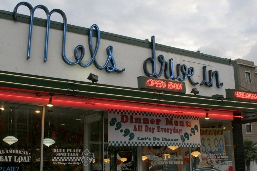 mels drivein california diner - 990×660