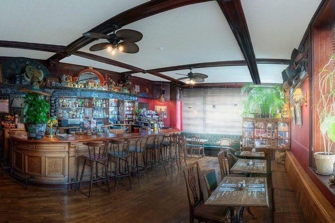 Roseleaf Bar Cafe