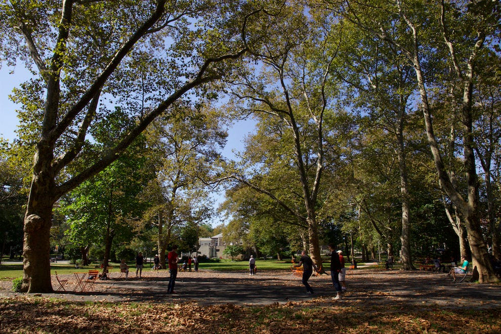 Pick up a quick game of Pétanque in Clark Park