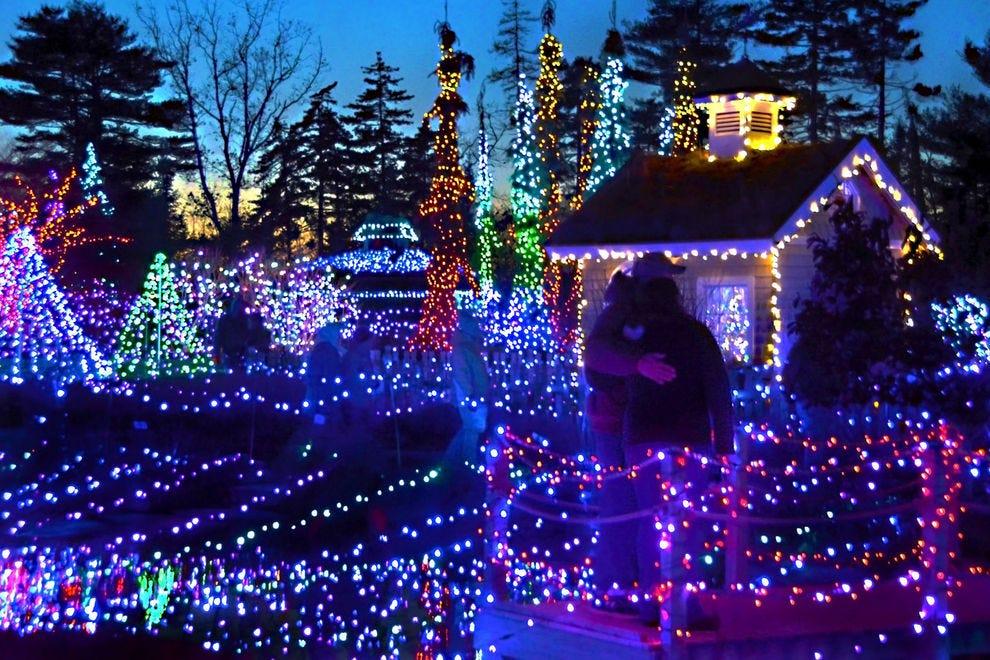 Best Botanical Garden Holiday Lights Winners (2018) | USA TODAY 10Best