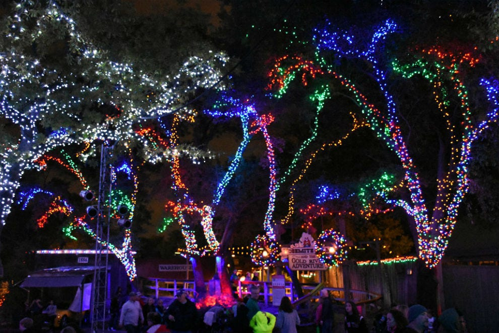 Christmas Lights Dallas 2019 Holiday Attractions: Attractions in Dallas