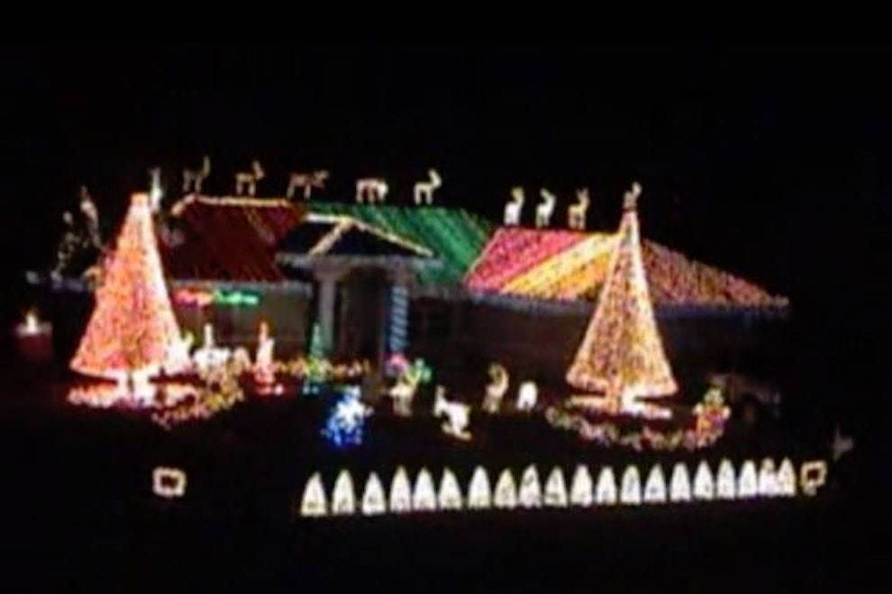 Christmas Lights That Look Like Water Falling.Holiday Attractions Attractions In Fort Myers