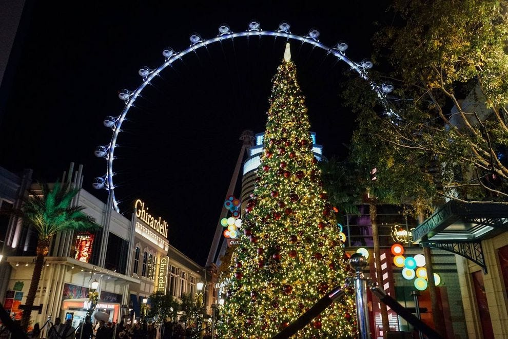 Las Vegas Christmas.Holiday Attractions Attractions In Las Vegas
