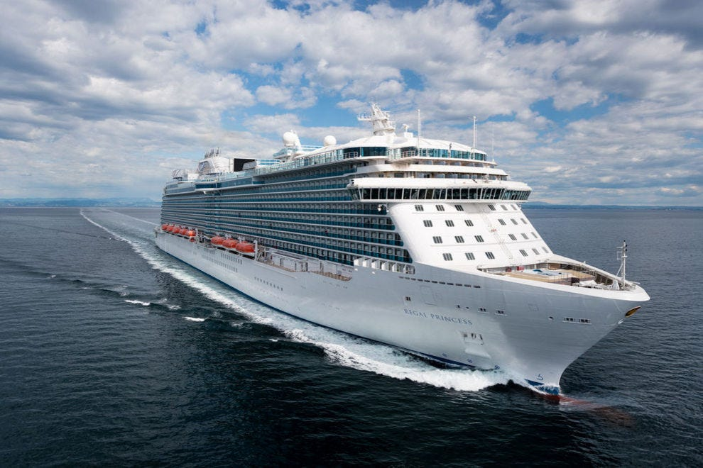 "<em>Regal Princess</em> carries 3,560 passengers""><span class="