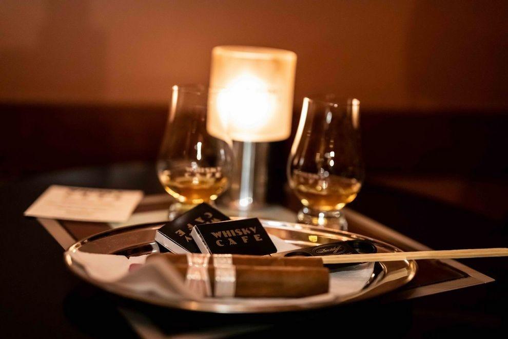 威士忌咖啡厅
