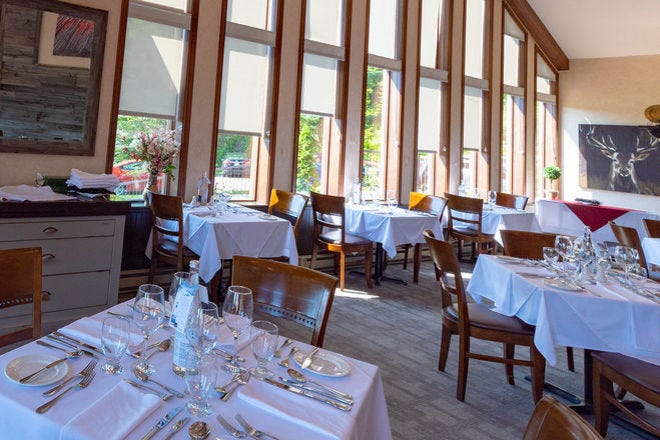 Ayers Restaurant, Lac Carling Hotel