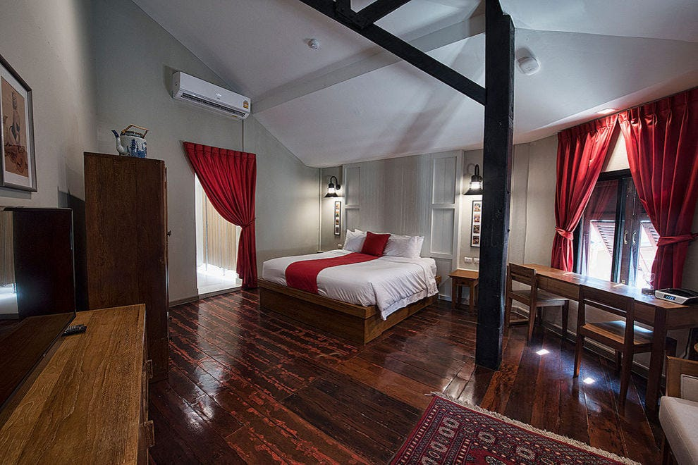 Master Suite, Prince Theatre Heritage Stay