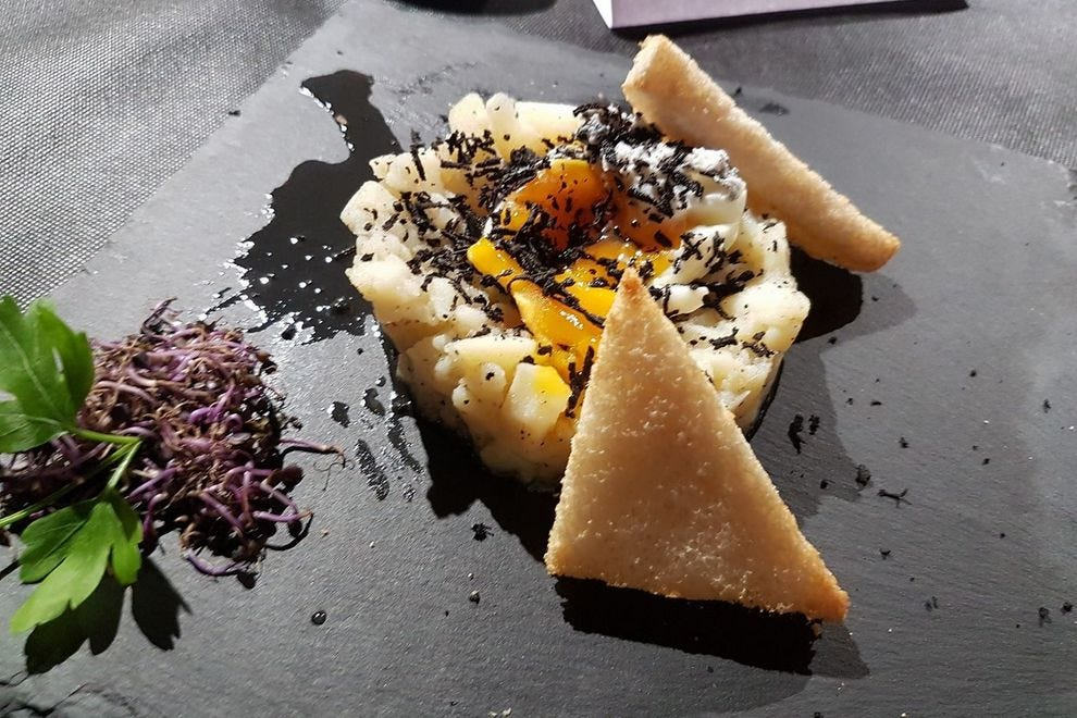 Cooking with black truffles at Casa Roque