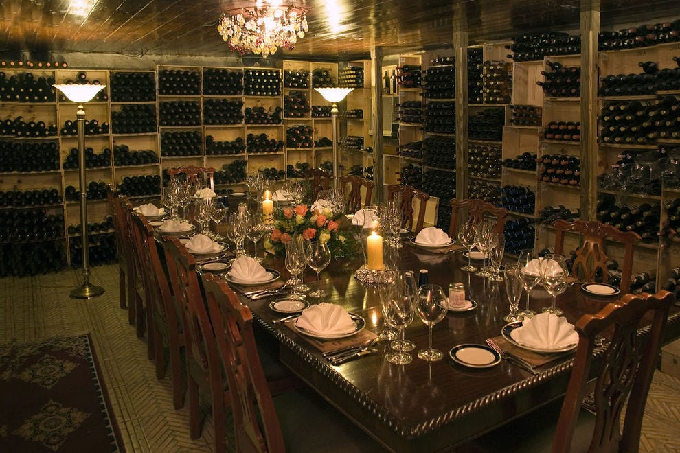 Winning restaurant features Continental cuisine and an excellent wine cellar