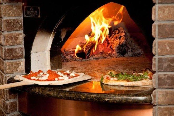 在那不勒斯披萨