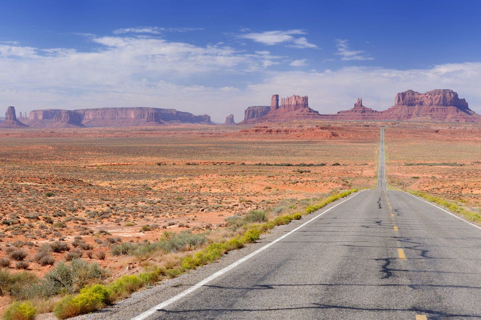Looking south on Utah Highway 191 at Monument Valley