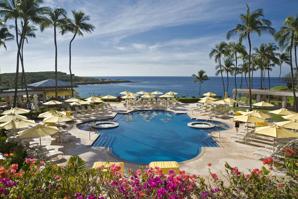 These Hawaiian resorts are worth a trip in their own right