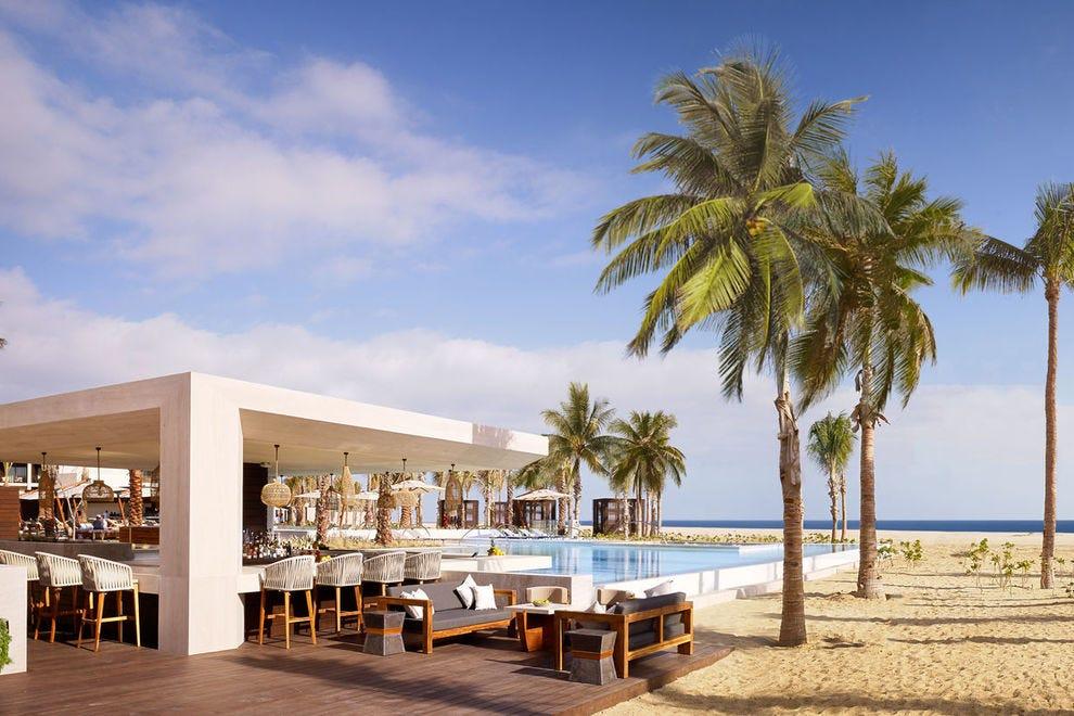 Nobu Hotel Los Cabos swim-up bar