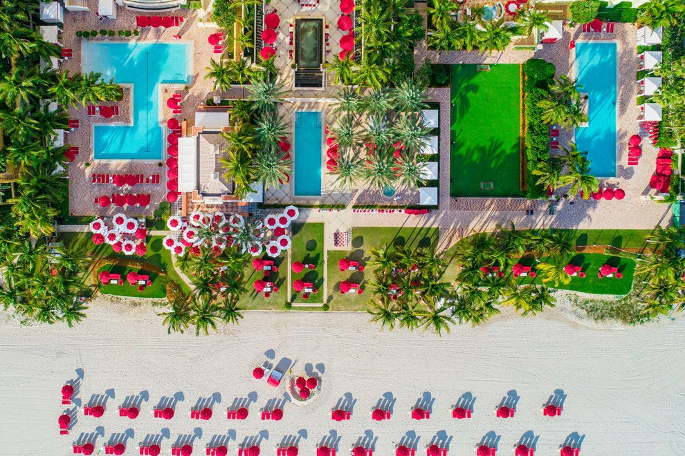 Guests of this luxury hotel enjoy beach access and three pools