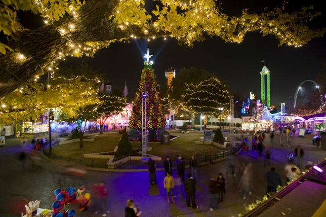 Holiday in the Park-Six Flags Over Texas