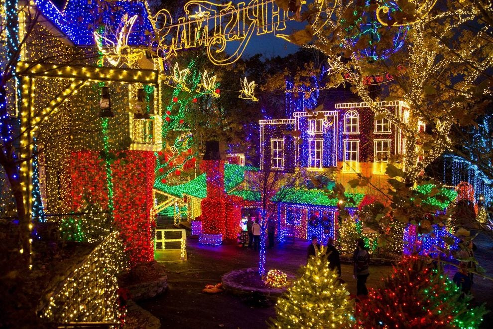 How To Watch The Williamsburg Christmas Parade 2021 Best Theme Park Holiday Event Winners 2019 Usa Today 10best