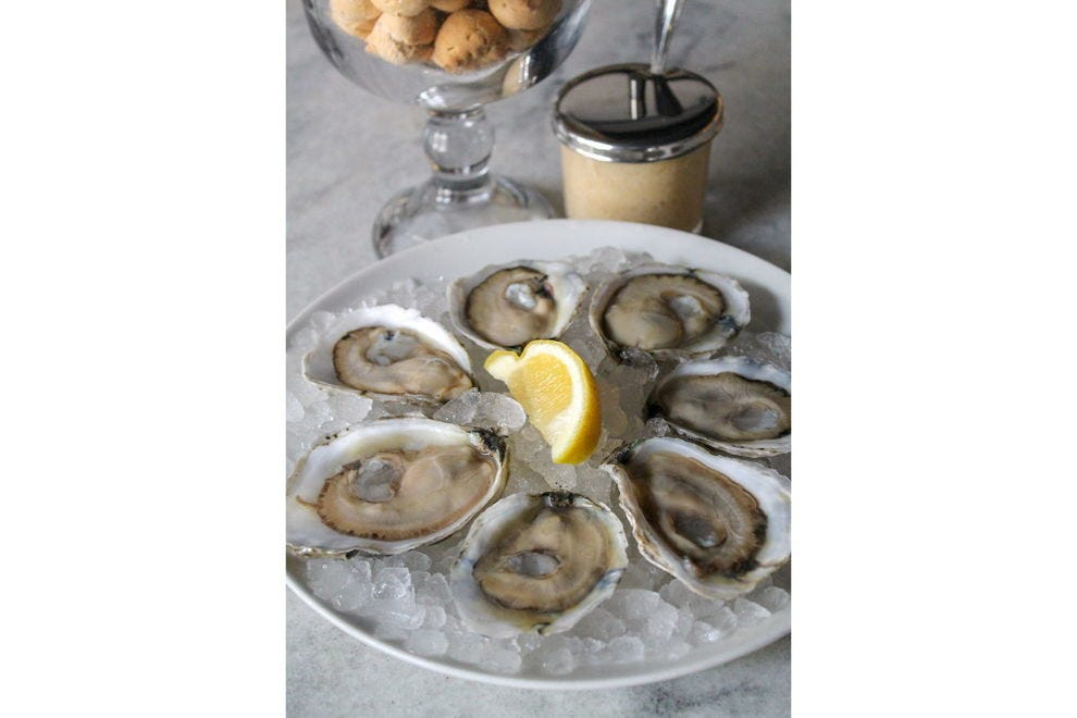 Savoring oysters begins with the eyes