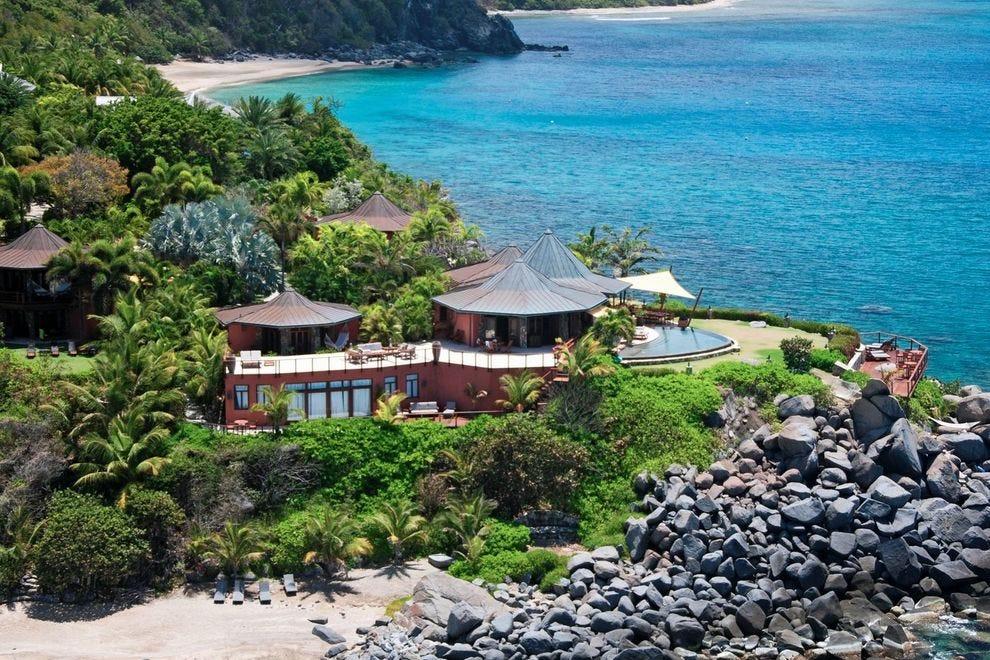 Wake up to ocean views at Baraka Point Estate