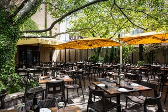 Chicago restaurants herald spring with fresh dishes and outdoor settings