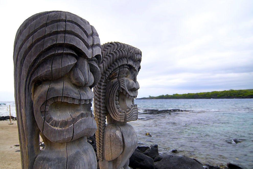 Big Island statues