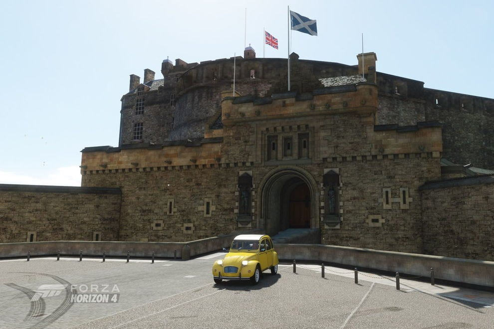 Forza Horizon 4's rendition of Edinburgh Castle