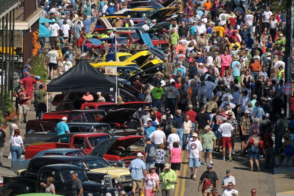 """America's largest block party"" celebrates classic cars"