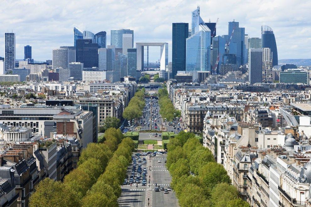 Grande Arche de la Défense in Paris