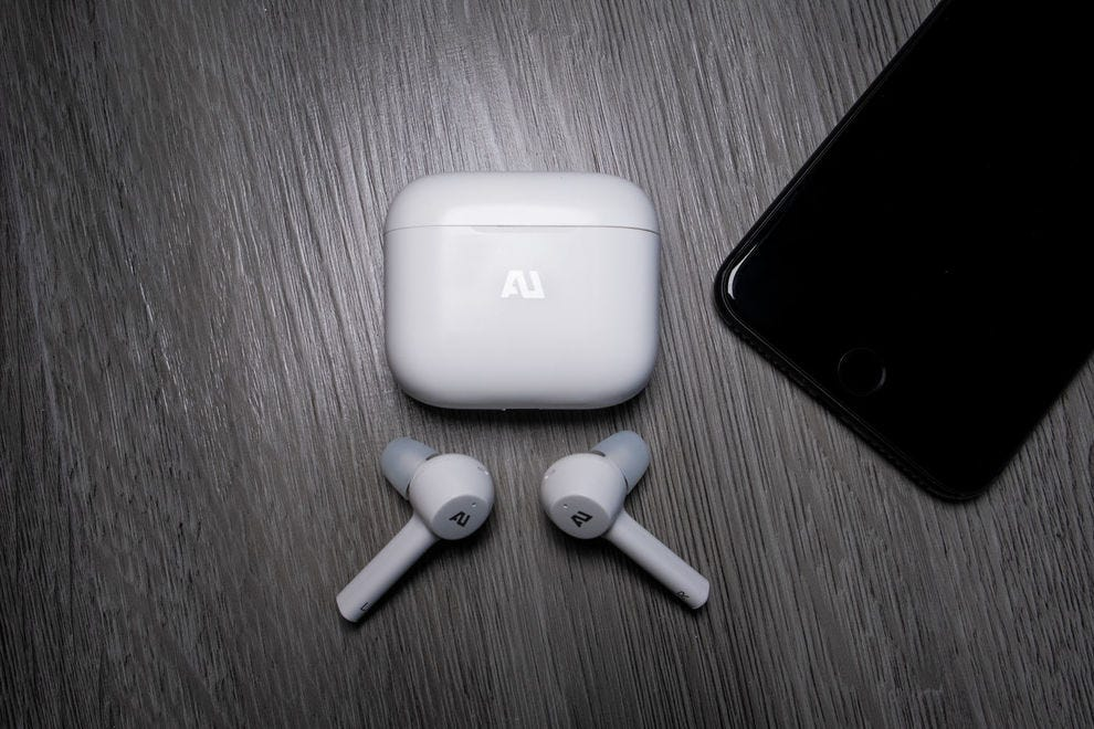 Wireless earphones from Ausounds