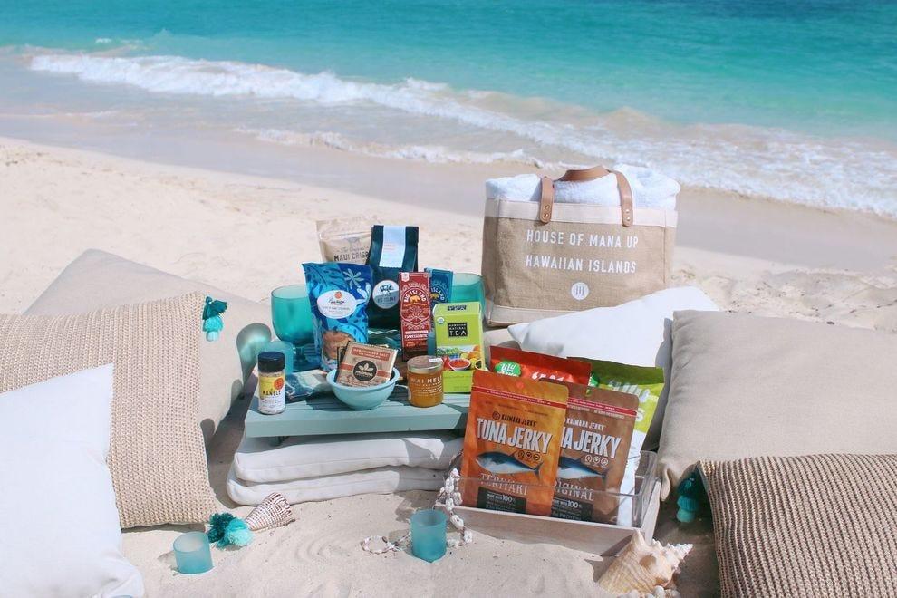 Gift set of Hawaiian foods