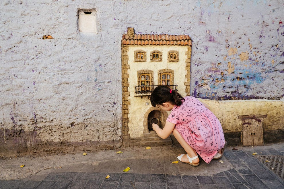 Cat house on Carrer del Museu