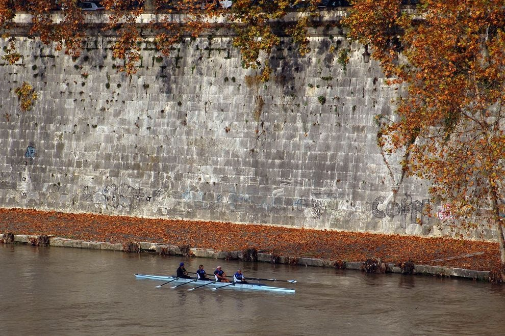 Rowers on the Tiber in Rome