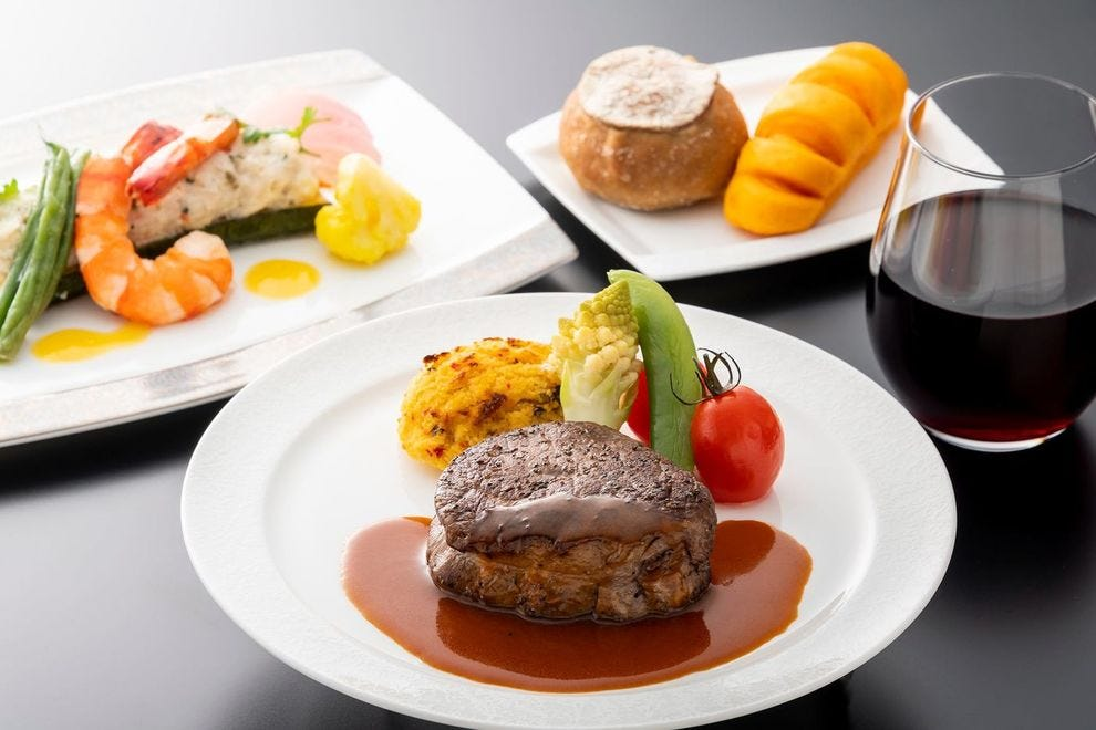 Hungry? ANA dishes up the best food in the sky