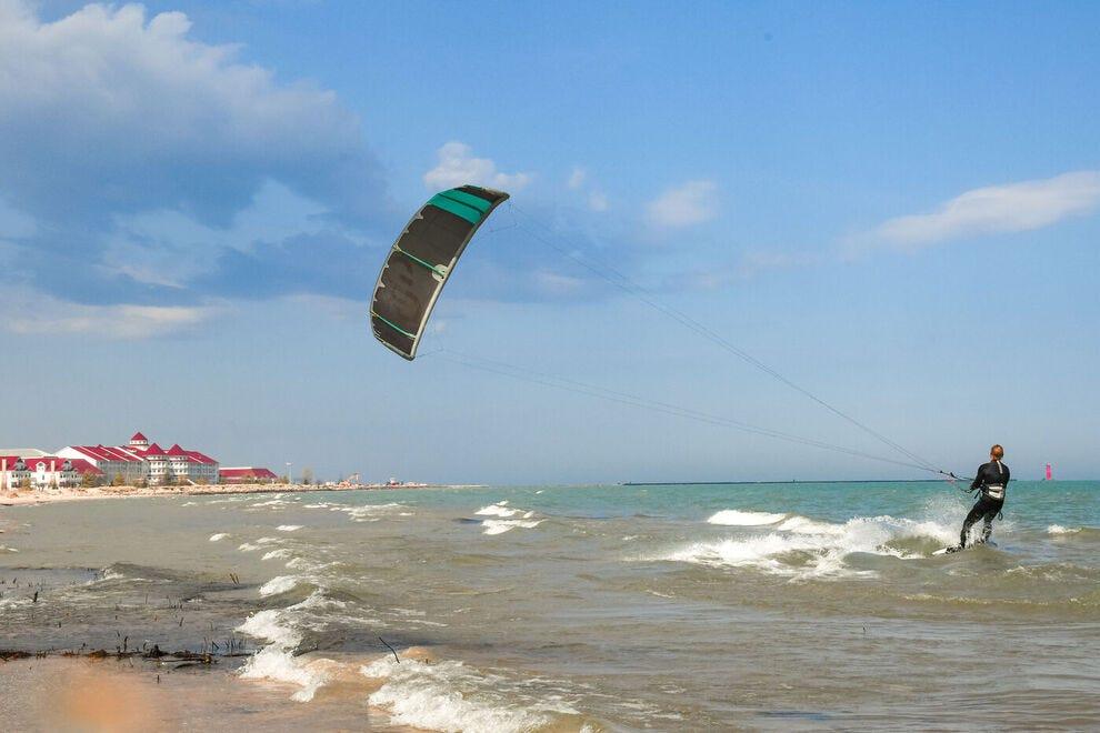 Kitesurfing in Sheboygan