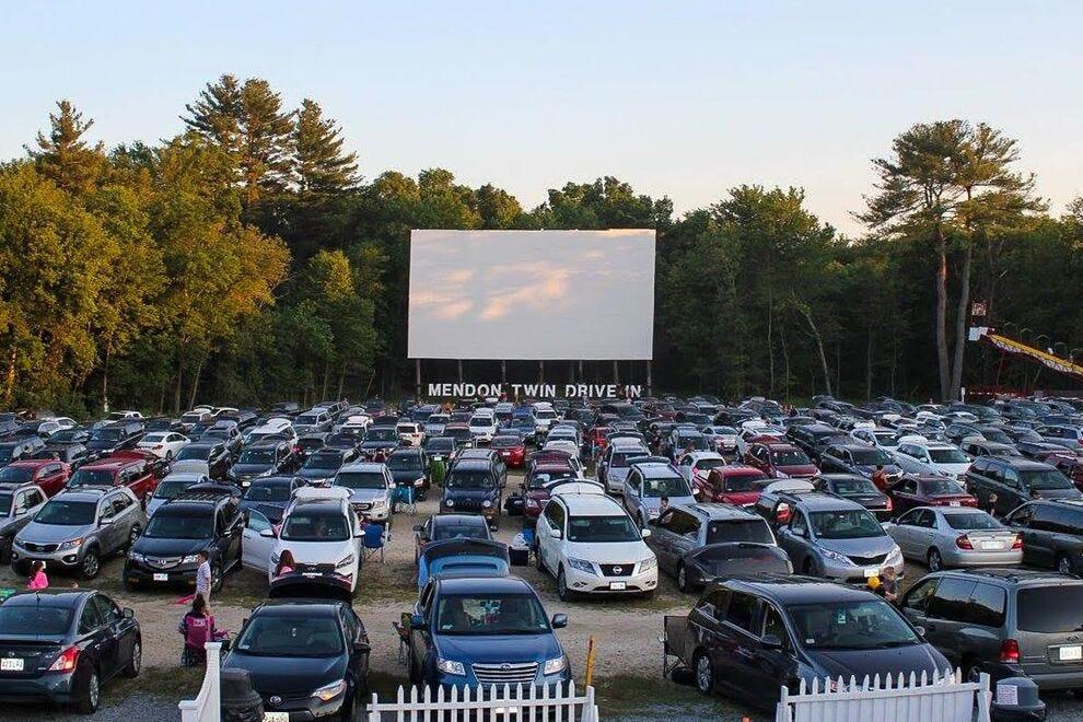 Mendon Twin Drive-in, Mendon, Massachusetts
